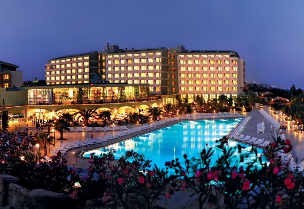 VON Resort Golden Coast Hotel